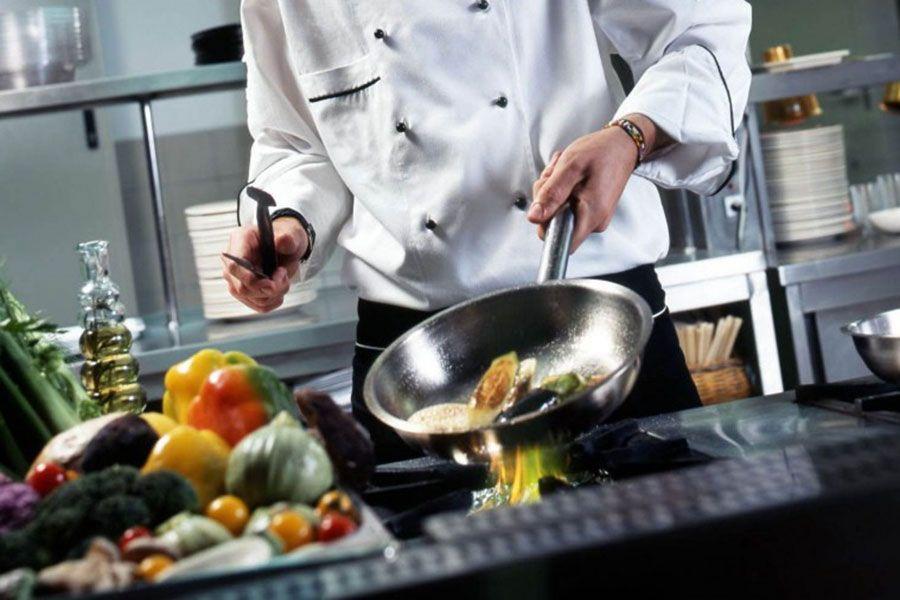 imagen portada oferta de empleo profesional de cocina en Granada
